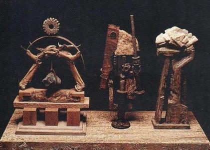 ALTAR A LA GRAN TRIUNFADORA, 1992-2005