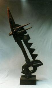 ALBARDA, hierro, madera y piedra, 2001.