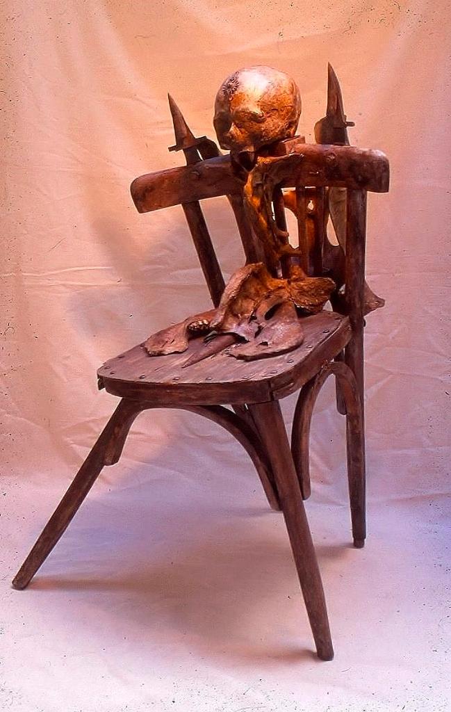 NUNCA ES TARDE PARA SENTAR CABEZA Homenaje a Duchamp, 2003-2004.