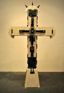 LA GRAN CRUZADA, materiales varios, 250 cm. de altura, 2010.
