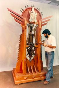 PUERTA DE LOS CIELOS, 1998. Trabajando en el Taller de San Pedro.